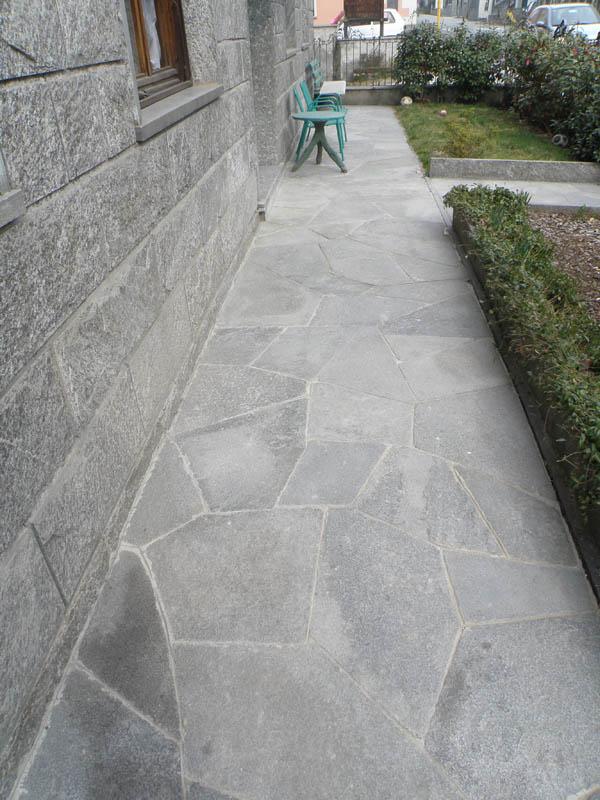 Pietre per pavimenti in mosaico da esterni per giardini e - Pavimentazione giardino in pietra ...