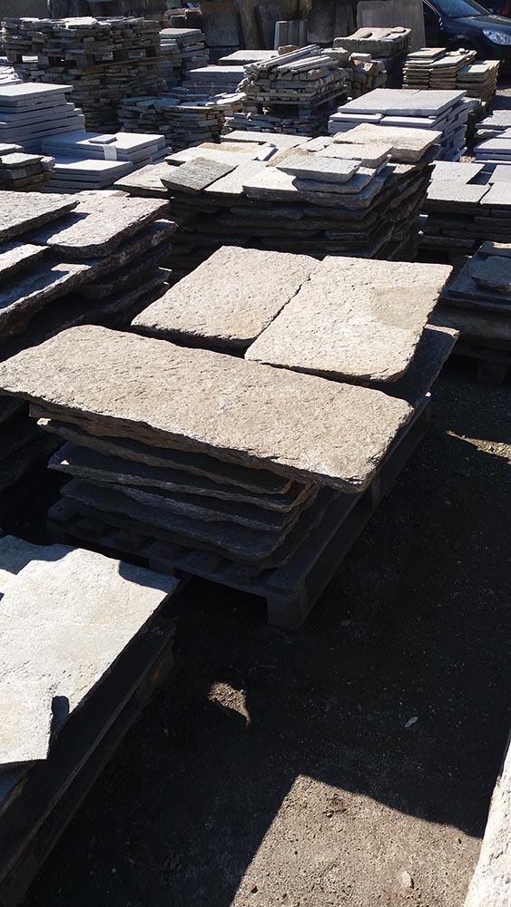 Pavimenti per esterni in pietra porfidi mosaici per giardini vialetti