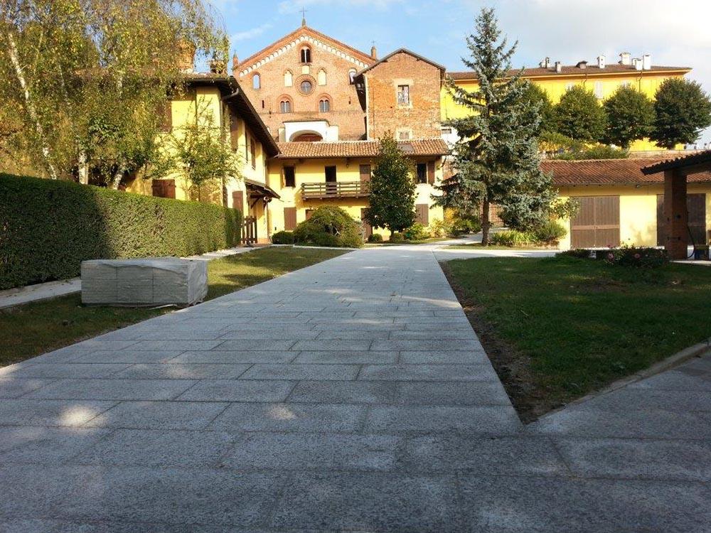 Pavimento Esterno In Pietra Prezzi : Pavimenti per esterni in pietra porfidi mosaici per giardini vialetti