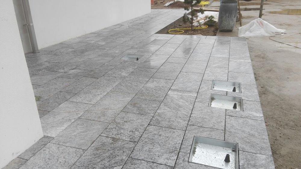 Servizio di posa marmo e pietre naturali personalizzato - Pavimentazione esterna ...