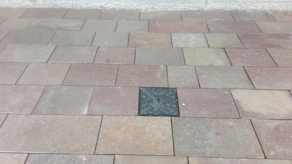 Servizio di posa marmo e pietre naturali personalizzato for Pavimento esterno in pietra