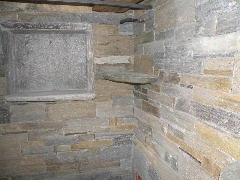 Rivestimenti interni ed esterni in pietra beole serizzi - Pietre decorative per muri interni ...