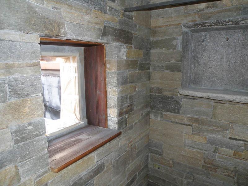 Rivestimenti interni ed esterni in pietra beole serizzi luserna - Rivestimento interno in pietra ...