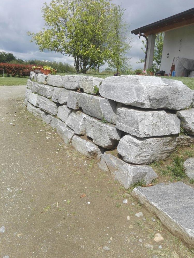 Vendita pietre per scogliere e frangiflutti muri di for Muri con pietre a vista