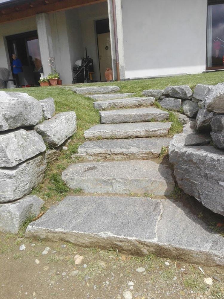 vendita pietre per scogliere e frangiflutti muri di